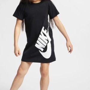 NWOT NIKE DRESS W/ POCKETS